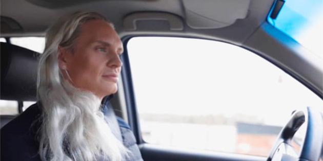 Ava: política y transgénero