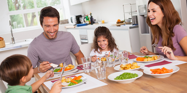 Cocina o salón, ¿dónde se come mejor?